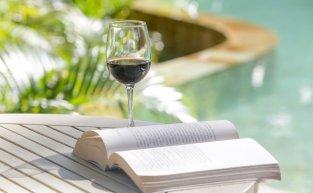 Livros sobre vinho: dicas essenciais para os fãs da bebida