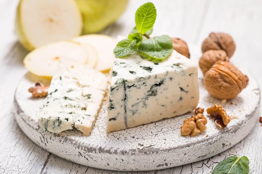 Vinho do Porto: queijo gongorzola e nozes