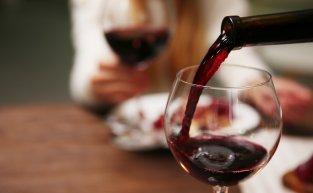 4 dicas essenciais de como servir vinhos corretamente